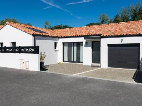 Jolie maison personnalisée de 121 m² avec 4 chambres à Montbert